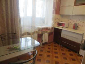 Кухня или мини-кухня в 2-комнатные апартаменты на 9 Января