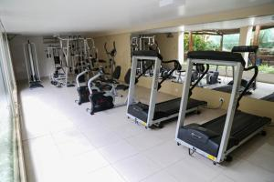 The fitness center and/or fitness facilities at Hotel Village Premium Caruaru