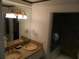 A bathroom at Hotel Coral Reef