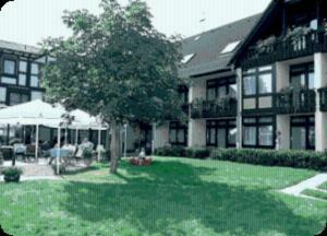 Der Swimmingpool an oder in der Nähe von Landhotel Combecher