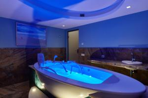 Ванная комната в ВеличЪ Country Club