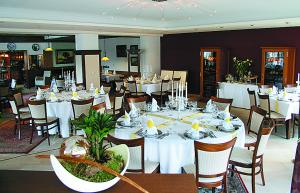 A restaurant or other place to eat at Hotel Driland