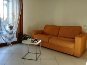A seating area at Casa Letizia