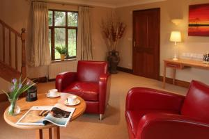 A seating area at Ivy House Country Hotel