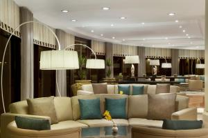 The lounge or bar area at Dead Sea Marriott Resort & Spa