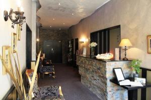 Hall ou réception de l'établissement Adonis Sanary Grand Hôtel des Bains