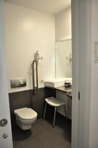 Een badkamer bij Centre Esplai Albergue