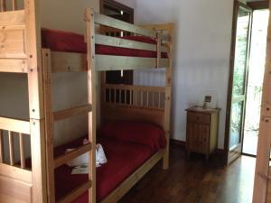 Letto o letti a castello in una camera di Cascina Govean
