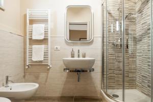 A bathroom at Villa Olga B&B