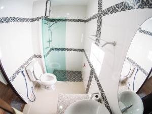 Salle de bains dans l'établissement The Better Hostel
