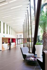 The lobby or reception area at Novotel Marseille Vieux Port