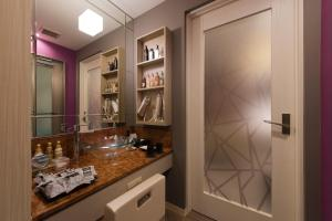 A kitchen or kitchenette at Hotel in the Moon (Adult Only)