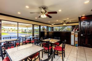 A restaurant or other place to eat at Budget Host Inn Florida City