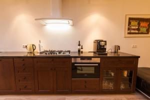 A kitchen or kitchenette at Puur Geluk