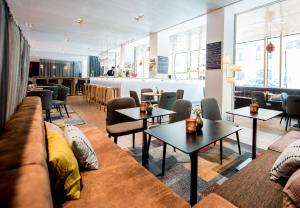 Un restaurante o sitio para comer en Hotel Birger Jarl