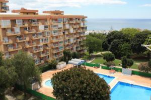 Vista de la piscina de Benalmadena Iris apartment sea view o alrededores