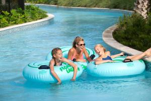 The swimming pool at or near Hilton Orlando Buena Vista Palace - Disney Springs Area