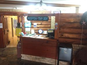 The lobby or reception area at Cairns City Backpackers Hostel