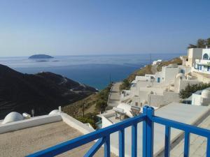Θέα της πισίνας από το Panorama Rooms ή από εκεί κοντά