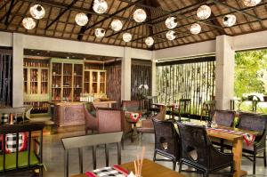 A restaurant or other place to eat at AYANA Resort and Spa, BALI