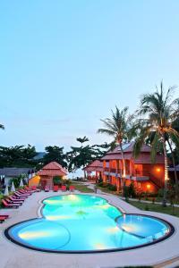 The swimming pool at or close to Havana Beach Resort Phangan