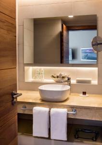 "Een badkamer bij Occidental Punta Cana - All Inclusive Resort - Barcelo Hotel Group ""Newly Renovated"""