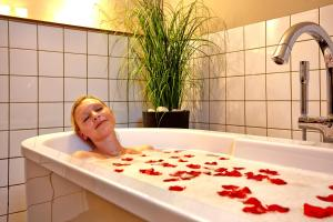 A bathroom at relexa hotel Harz-Wald Braunlage GmbH
