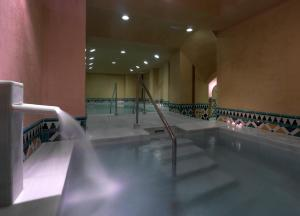 The swimming pool at or close to Hotel Macià Real De La Alhambra