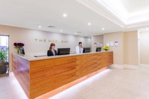 The lobby or reception area at Macleay Hotel