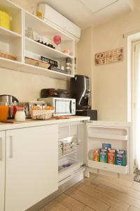 A kitchen or kitchenette at Relais Tiburtina