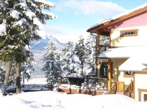 Le Beausoleil Bed and Breakfast during the winter