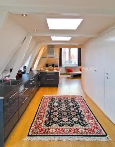 Een keuken of kitchenette bij Loft 6 kingsize apartment 2-4persons with great kitchen