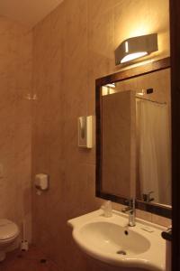 A bathroom at Gran Sasso Family Hotel Miramonti