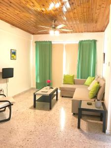 A seating area at Himonas Apartments