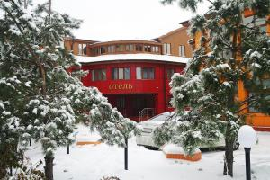Отель «Корона» зимой