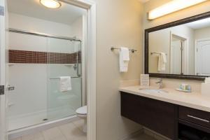 A bathroom at Staybridge Suites Corona South, an IHG Hotel