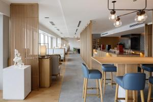The lounge or bar area at Keio Plaza Hotel Tokyo