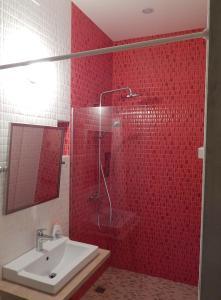 Ванная комната в Absolutely Central Apartments