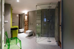 Ein Badezimmer in der Unterkunft Apartments At The Blue Duckling