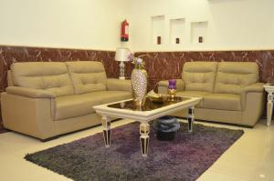 Uma área de estar em Fakhamet Al Taif 1 Hotel Apartments