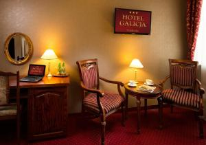 A seating area at Hotel Galicja