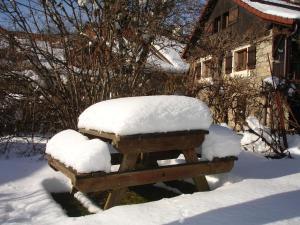"""L'établissement Gîte """"Le Champ des pierres"""" en hiver"""
