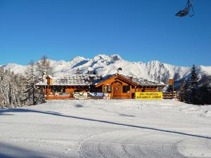 Chalet Degli Angeli during the winter