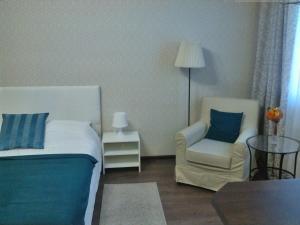 Кровать или кровати в номере Сеть апартаментов Star House Б Khmelnitskogo 79