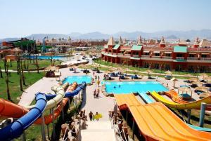 Вид на бассейн в Aqua Blu Sharm El Sheikh - Families and couples only или окрестностях