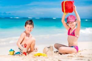 Piscina en o cerca de Majestic Elegance Punta Cana - All Inclusive