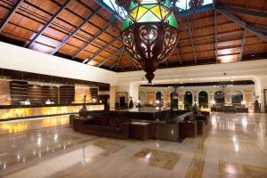 El vestíbulo o zona de recepción de Majestic Elegance Punta Cana - All Inclusive