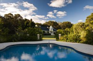 The swimming pool at or near Cape Lodge
