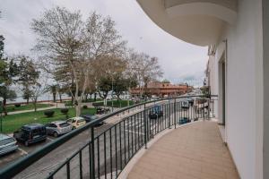 A balcony or terrace at Casa do Jardim