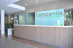 The lobby or reception area at Campanile Málaga Airport